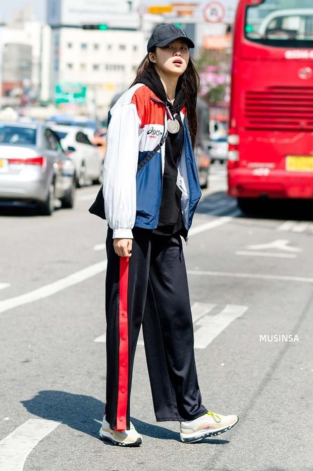 Giới trẻ Hàn thật siêu, chẳng cần diện đồ lồng lộn mà vẫn đẹp bá cháy - Ảnh 5.