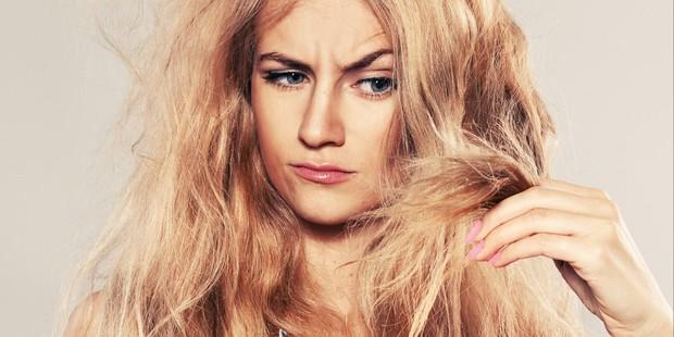 Sử dụng máy tạo kiểu thường xuyên có thể khiến mái tóc gặp phải những vấn đề nghiêm trọng này - Ảnh 1.
