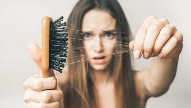 Sử dụng máy tạo kiểu thường xuyên có thể khiến mái tóc gặp phải những vấn đề nghiêm trọng này - Ảnh 2.