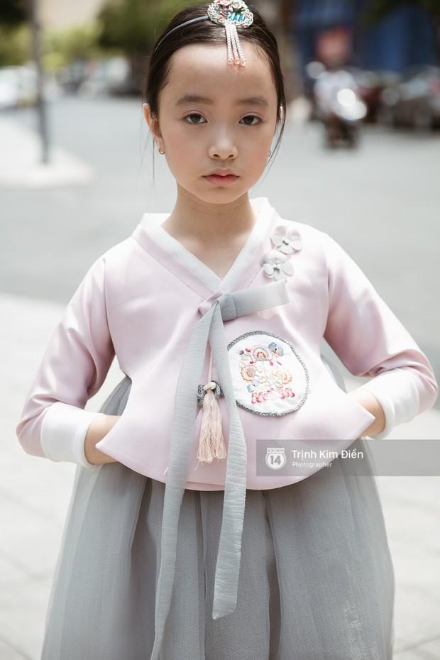 """Ngày 4 VIFW: Giới trẻ Sài thành vẫn ăn diện """"lồng lộn"""" với toàn ca mặc dị khó quên - Ảnh 6."""