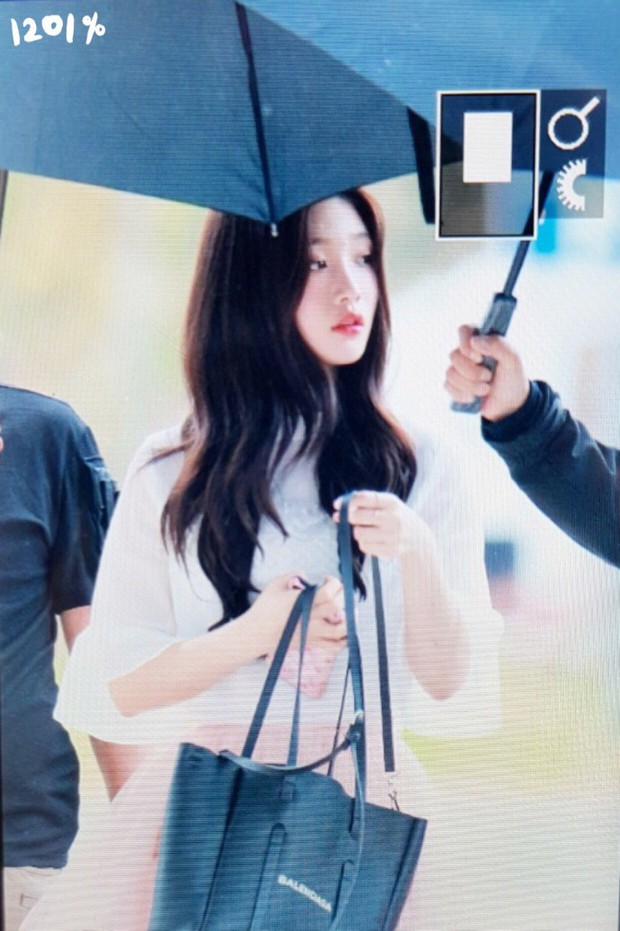 Cực phẩm dưới mưa: Jung Chae Yeon đẹp lộng lẫy cùng I.O.I, dàn hoàng tử Wanna One đến ủng hộ Produce 48 - Ảnh 23.