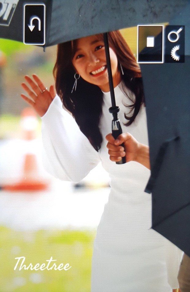 Cực phẩm dưới mưa: Jung Chae Yeon đẹp lộng lẫy cùng I.O.I, dàn hoàng tử Wanna One đến ủng hộ Produce 48 - Ảnh 31.