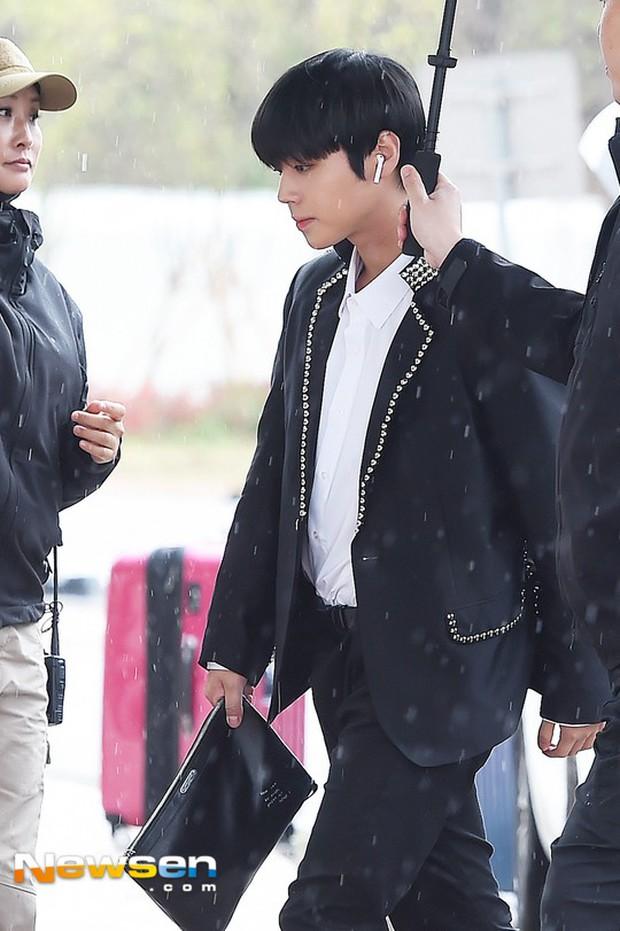 Cực phẩm dưới mưa: Jung Chae Yeon đẹp lộng lẫy cùng I.O.I, dàn hoàng tử Wanna One đến ủng hộ Produce 48 - Ảnh 7.