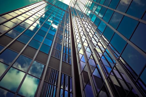 Đừng dại mà đưa ra bất kỳ quyết định quan trọng nào ở tòa nhà cao như thế này - Ảnh 1.