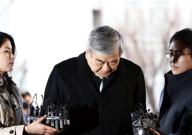 Hậu bê bối hất nước vào mặt nhân viên khiến người dân Hàn Quốc phẫn nộ, con gái chủ tịch Korean Air từ chức - Ảnh 1.