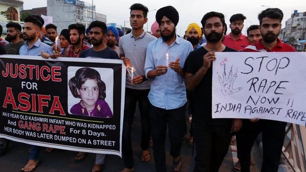 Ấn Độ áp dụng án tử hình đối với tội phạm hiếp dâm trẻ em gái dưới 12 tuổi - Ảnh 2.