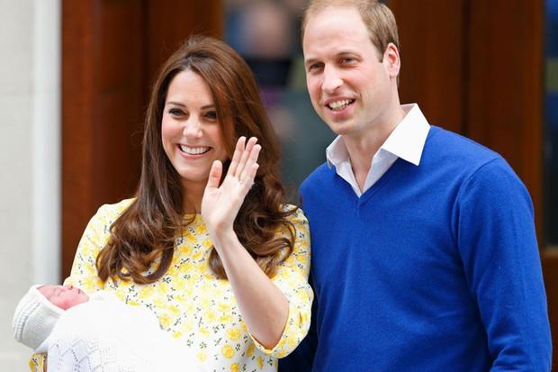 Những truyền thống thú vị không phải ai cũng biết về các em bé Hoàng gia Anh - Ảnh 4.
