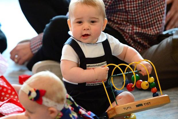 Những truyền thống thú vị không phải ai cũng biết về các em bé Hoàng gia Anh - Ảnh 3.