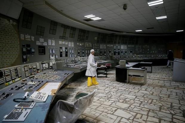 Ám ảnh bên trong nhà máy điện hạt nhân Chernobyl sau hơn 30 năm - Ảnh 1.
