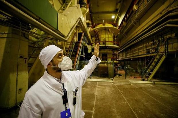 Ám ảnh bên trong nhà máy điện hạt nhân Chernobyl sau hơn 30 năm - Ảnh 13.