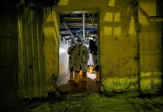 Ám ảnh bên trong nhà máy điện hạt nhân Chernobyl sau hơn 30 năm - Ảnh 9.