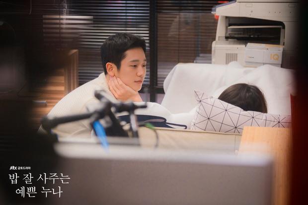 Seo Joon Hee của Chị Đẹp: Nam chính ga lăng, cool ngầu hay là kẻ... ưa bạo lực? - Ảnh 1.
