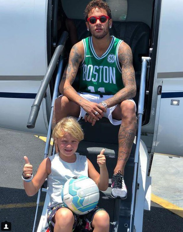 Cuộc sống vương giả của những đứa trẻ nhà Ronaldo, Neymar, Messi - Ảnh 4.