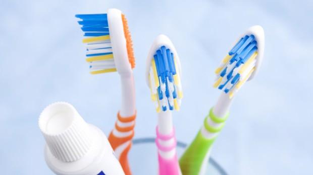 Sáng đánh răng hay bị chảy máu có thể là do những nguyên nhân này - Ảnh 3.
