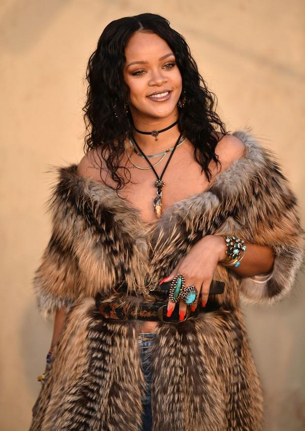 Sau 2 năm cho fan nhịn, Rihanna chuẩn bị trở lại với tận 2 album? - Ảnh 1.