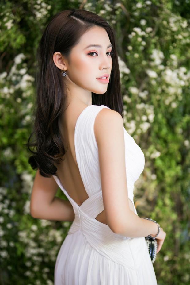 Jolie Nguyễn đọ sắc cùng Diễm My 9x, Jun Vũ trong một sự kiện, ai xinh đẹp hơn? - Ảnh 2.