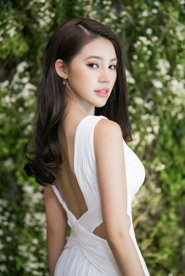 Jolie Nguyễn đọ sắc cùng Diễm My 9x, Jun Vũ trong một sự kiện, ai xinh đẹp hơn? - Ảnh 3.