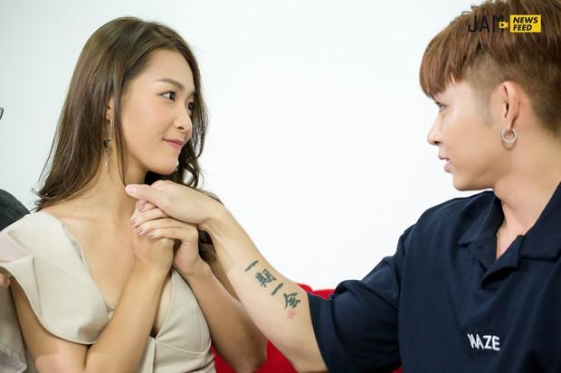 """Khả Ngân tiết lộ bị Jun Phạm hôn đến chảy máu môi, 3 nụ hôn trong phim đều """"kinh khủng"""" chứ không hề lãng mạn! - Ảnh 8."""