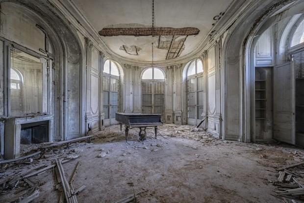 Đi khắp châu Âu tìm những chiếc piano bị lãng quên, người nghệ sĩ khiến mọi người nín lặng vì vẻ đẹp nhuốm màu thời gian - Ảnh 5.