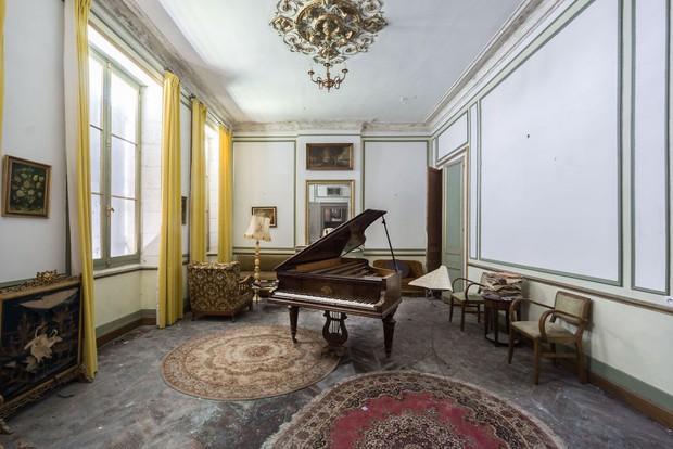 Đi khắp châu Âu tìm những chiếc piano bị lãng quên, người nghệ sĩ khiến mọi người nín lặng vì vẻ đẹp nhuốm màu thời gian - Ảnh 9.