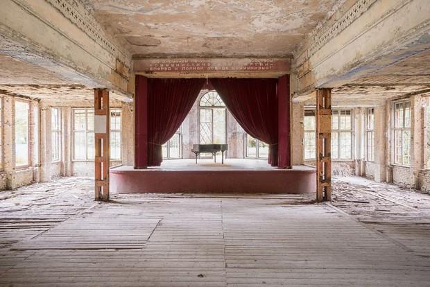 Đi khắp châu Âu tìm những chiếc piano bị lãng quên, người nghệ sĩ khiến mọi người nín lặng vì vẻ đẹp nhuốm màu thời gian - Ảnh 10.
