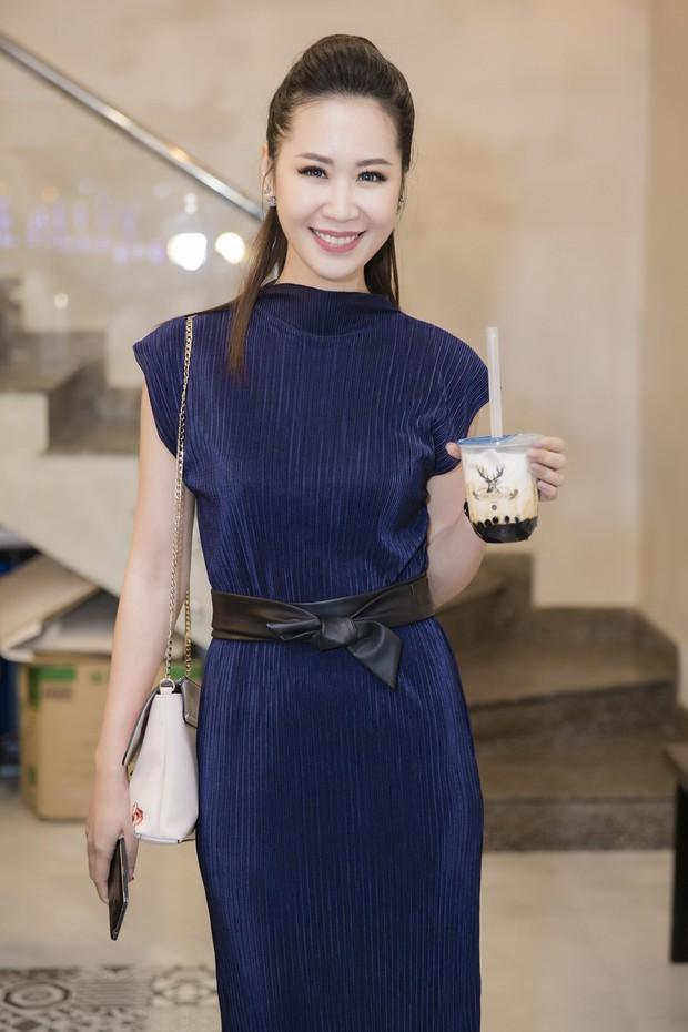 Diệp Lâm Anh cùng dàn Hoa hậu, Á hậu hội ngộ tại sự kiện khai trương trà sữa The Alley Hà Nội - Ảnh 16.