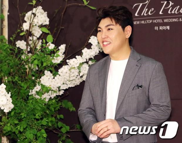 Đám cưới cựu thành viên After School: Bạn gái G-Dragon chiếm hết spotlight nhưng vẫn không đẹp bằng mỹ nhân SISTAR - Ảnh 20.