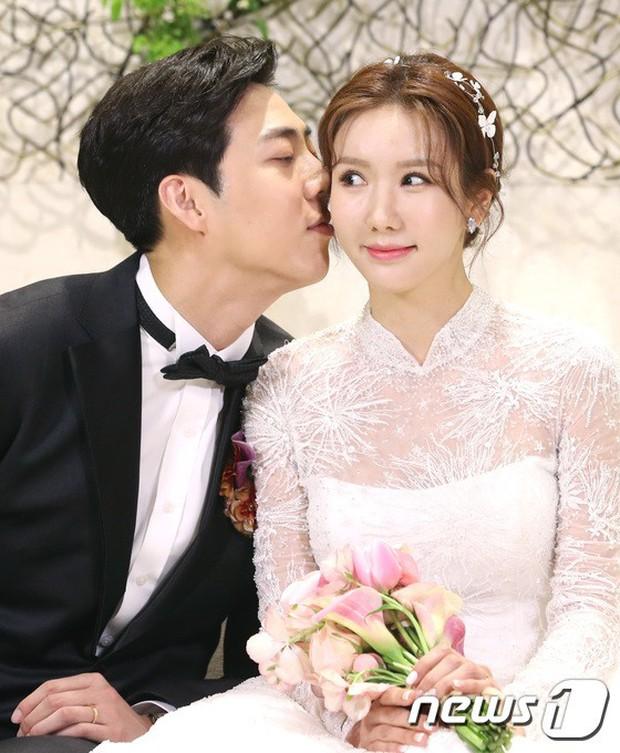 Đám cưới cựu thành viên After School: Bạn gái G-Dragon chiếm hết spotlight nhưng vẫn không đẹp bằng mỹ nhân SISTAR - Ảnh 5.