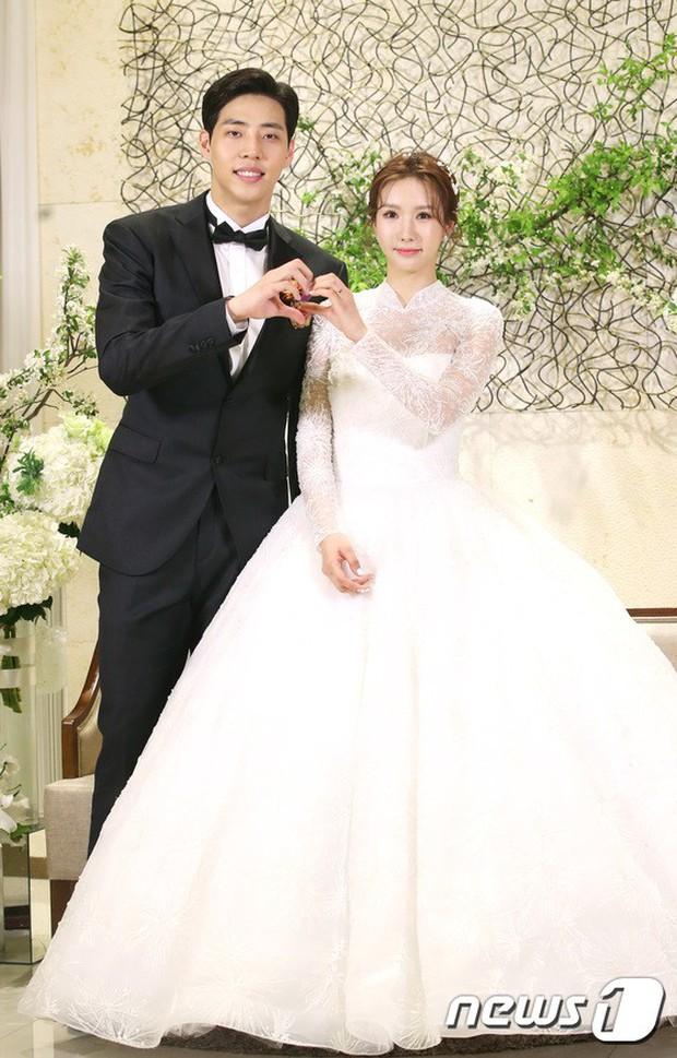 Đám cưới cựu thành viên After School: Bạn gái G-Dragon chiếm hết spotlight nhưng vẫn không đẹp bằng mỹ nhân SISTAR - Ảnh 1.