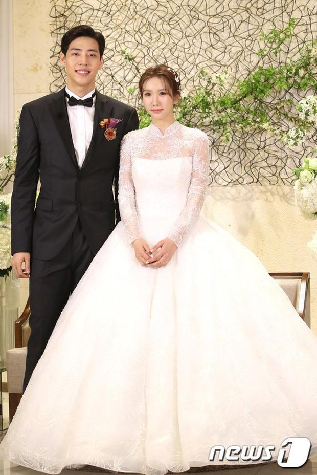 Đám cưới cựu thành viên After School: Bạn gái G-Dragon chiếm hết spotlight nhưng vẫn không đẹp bằng mỹ nhân SISTAR - Ảnh 2.