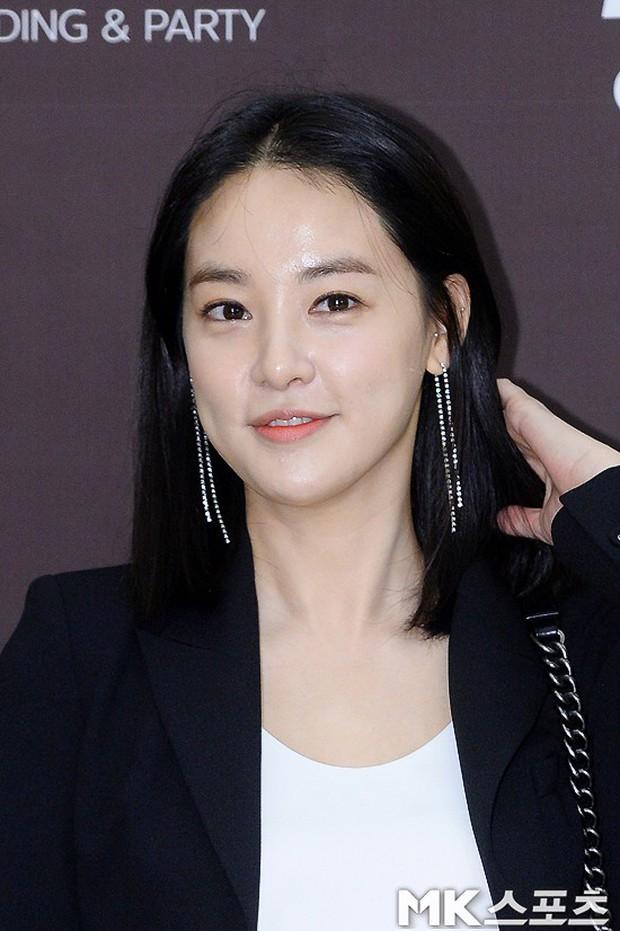 Đám cưới cựu thành viên After School: Bạn gái G-Dragon chiếm hết spotlight nhưng vẫn không đẹp bằng mỹ nhân SISTAR - Ảnh 10.