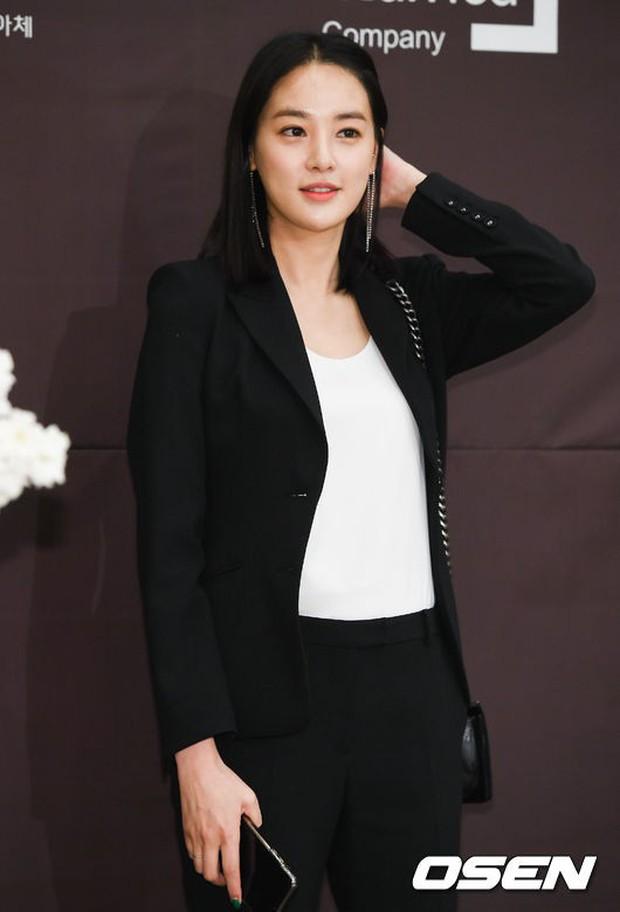 Đám cưới cựu thành viên After School: Bạn gái G-Dragon chiếm hết spotlight nhưng vẫn không đẹp bằng mỹ nhân SISTAR - Ảnh 8.