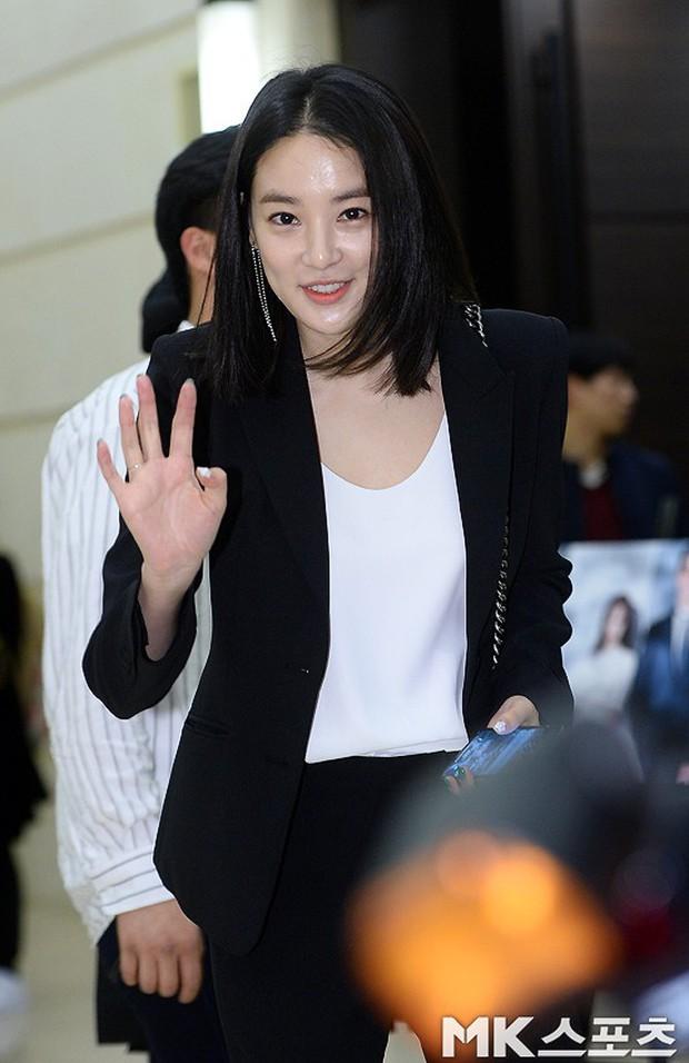 Đám cưới cựu thành viên After School: Bạn gái G-Dragon chiếm hết spotlight nhưng vẫn không đẹp bằng mỹ nhân SISTAR - Ảnh 9.