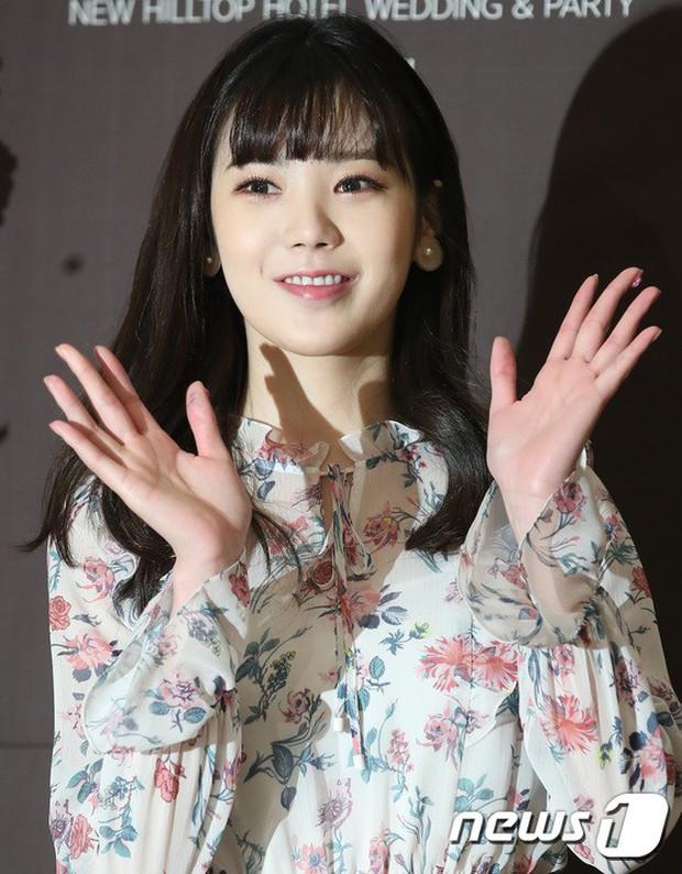 Đám cưới cựu thành viên After School: Bạn gái G-Dragon chiếm hết spotlight nhưng vẫn không đẹp bằng mỹ nhân SISTAR - Ảnh 16.