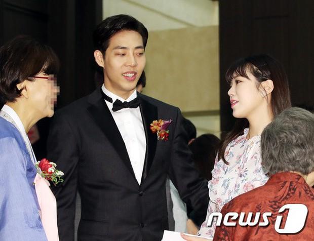 Đám cưới cựu thành viên After School: Bạn gái G-Dragon chiếm hết spotlight nhưng vẫn không đẹp bằng mỹ nhân SISTAR - Ảnh 17.