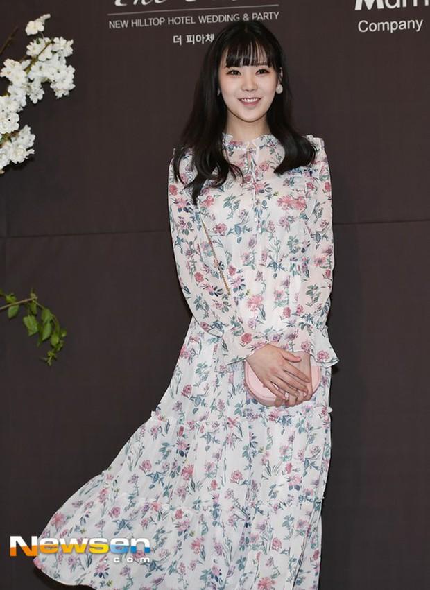 Đám cưới cựu thành viên After School: Bạn gái G-Dragon chiếm hết spotlight nhưng vẫn không đẹp bằng mỹ nhân SISTAR - Ảnh 15.