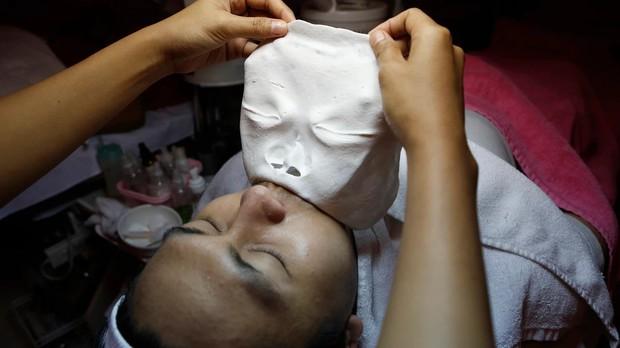 Lời tự thú của một con nghiện chăm sóc da mặt: Khi vẻ đẹp Hàn Quốc trở thành chuẩn mực của nhiều cô gái châu Á - Ảnh 1.