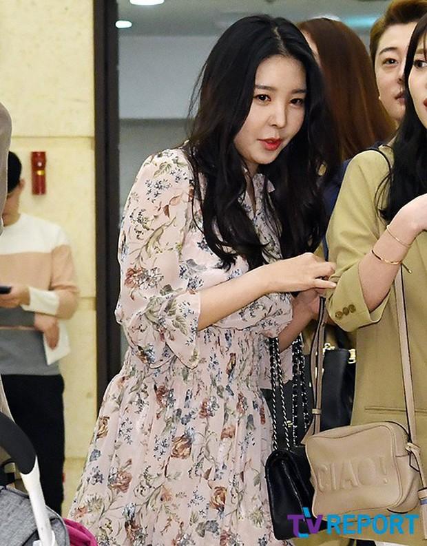 Đám cưới cựu thành viên After School: Bạn gái G-Dragon chiếm hết spotlight nhưng vẫn không đẹp bằng mỹ nhân SISTAR - Ảnh 18.