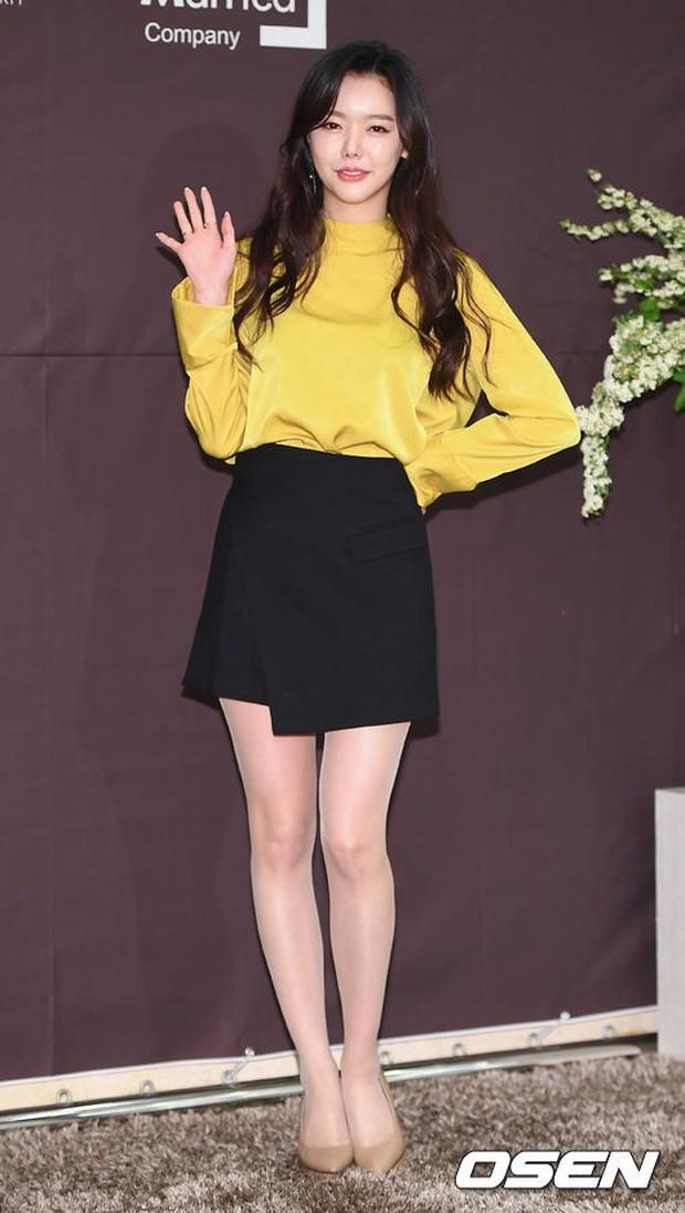 Đám cưới cựu thành viên After School: Bạn gái G-Dragon chiếm hết spotlight nhưng vẫn không đẹp bằng mỹ nhân SISTAR - Ảnh 19.