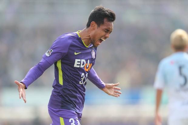 """""""Messi Thái"""" Songkrasin toả sáng rực rỡ tại J.League - Ảnh 2."""