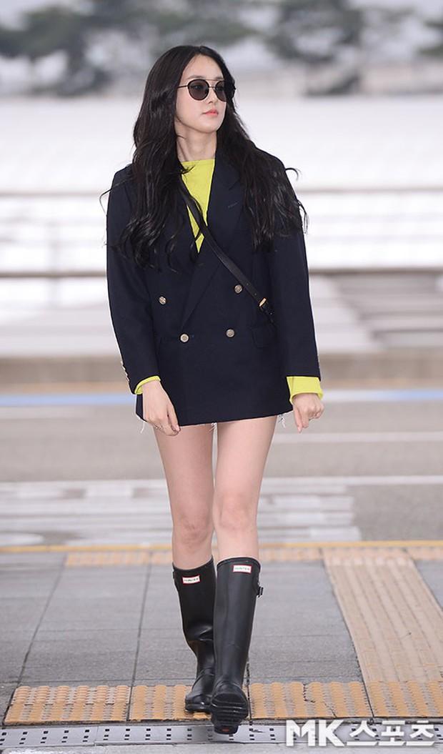 Bạn gái G-Dragon lần đầu lộ diện sau tin hẹn hò: Đẹp xuất thần, gây bất ngờ với đôi chân dài miên man - Ảnh 1.