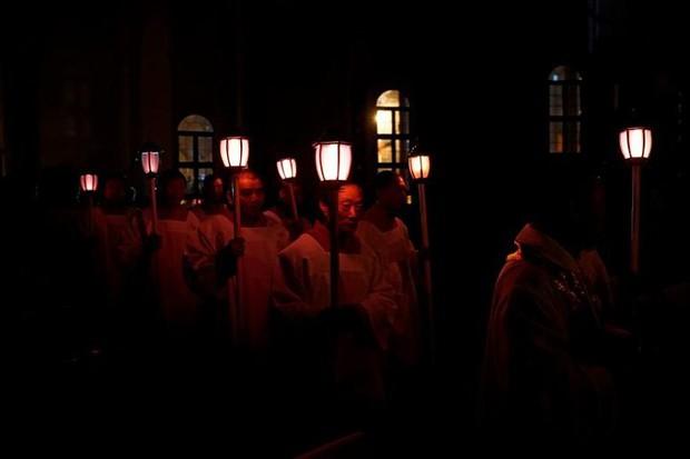 Cận cảnh người dân đón lễ Phục sinh trên khắp thế giới - Ảnh 7.