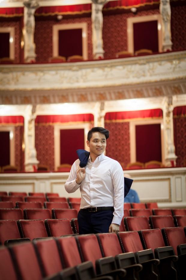 Du học sinh Việt điển trai 2 lần giành giải Nhất cuộc thi thanh nhạc quốc tế - Ảnh 1.
