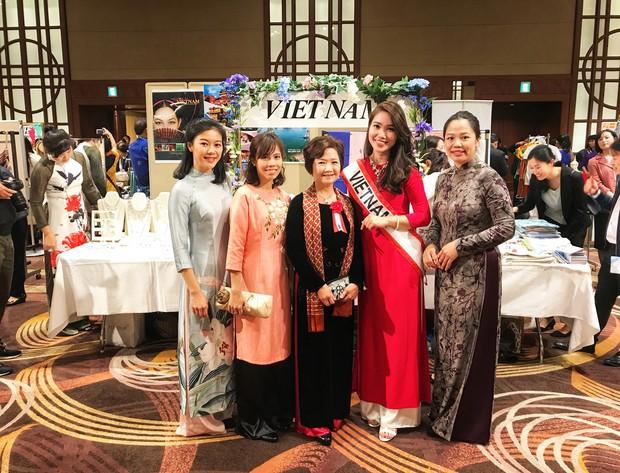 Rạng rỡ trong tà áo dài, nữ DHS Việt thu hút mọi ánh nhìn tại chương trình từ thiện châu Á - Thái Bình Dương - Ảnh 5.