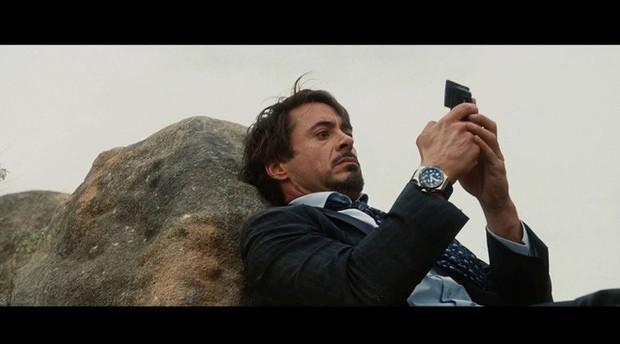 Điểm danh tất tần tật những điện thoại từng xuất hiện trong Vũ trụ Điện ảnh Marvel - Ảnh 1.