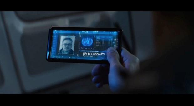 Điểm danh tất tần tật những điện thoại từng xuất hiện trong Vũ trụ Điện ảnh Marvel - Ảnh 12.