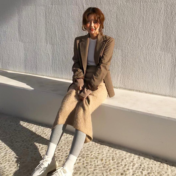 Bà trùm của Style Nanda: mặc basic cũng đẹp mà khi lồng lộn cũng chất hơn người  - Ảnh 1.
