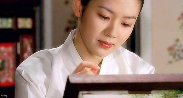 Nhìn lại 2 thập kỉ nhan sắc của Son Ye Jin, đã hiểu vì sao cô mãi là nữ thần của mọi nữ thần! - Ảnh 2.