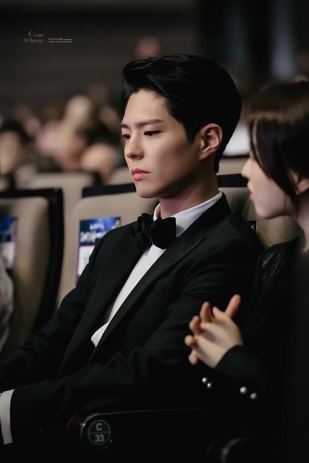 Song Joong Ki, Park Bo Gum và Jung Hae In: 3 chàng tài tử đẹp như tiên hạ phàm đang khiến cả châu Á điên đảo - Ảnh 46.