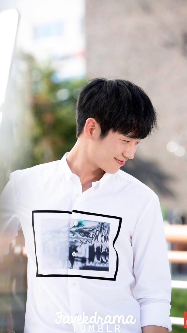 Song Joong Ki, Park Bo Gum và Jung Hae In: 3 chàng tài tử đẹp như tiên hạ phàm đang khiến cả châu Á điên đảo - Ảnh 24.